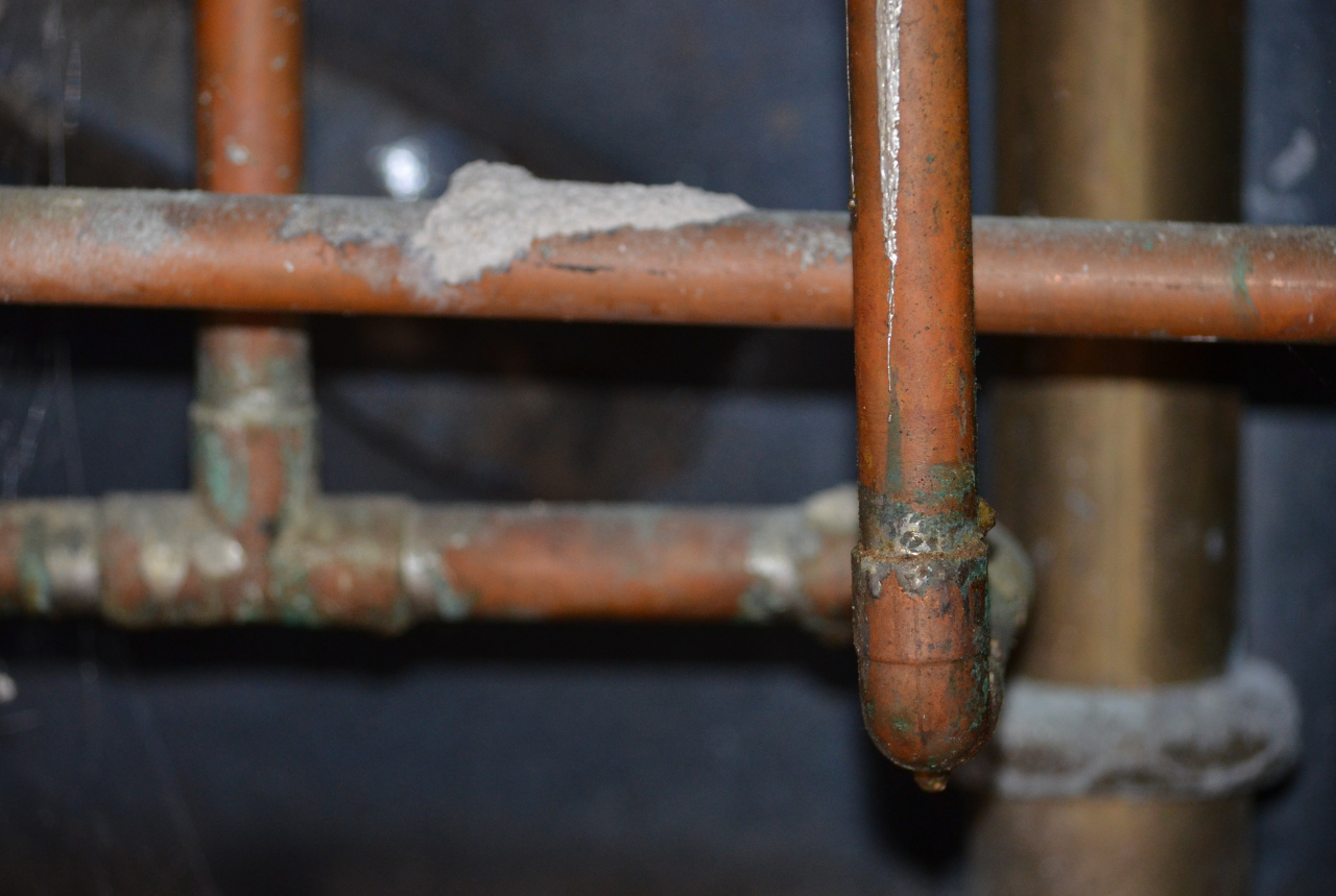 Should I Reline My Pipes or Replace Them?